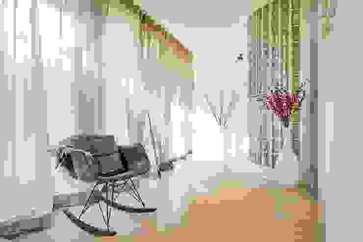 Flur (1) Alexandra Flohs interior design Moderner Flur, Diele & Treppenhaus