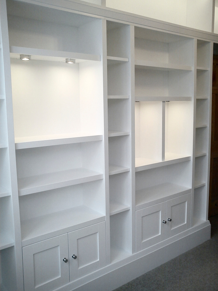 Chunky white fitted shelving units and cupboards Modern study/office by Freebird Fitted Furniture Modern
