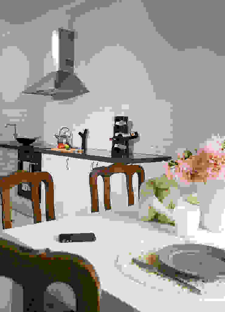 Pastelowy Wilanów Klasyczna kuchnia od Pracownia Projektowa Poco Design Klasyczny