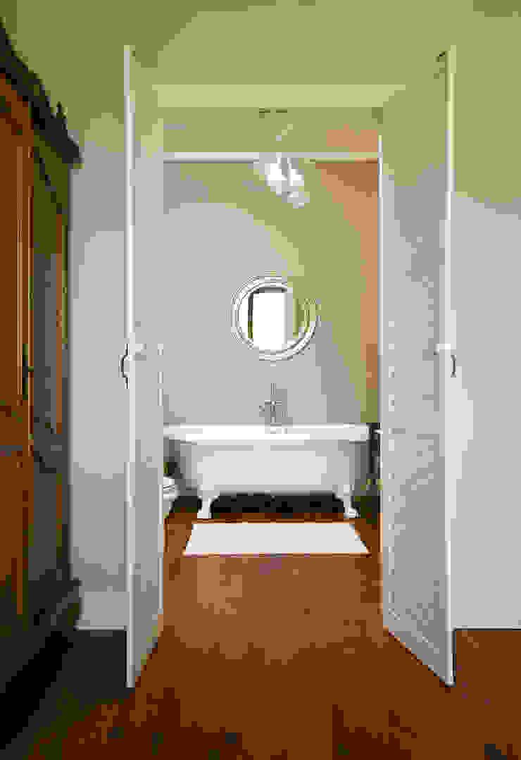 Pastelowy Wilanów Klasyczna łazienka od Pracownia Projektowa Poco Design Klasyczny