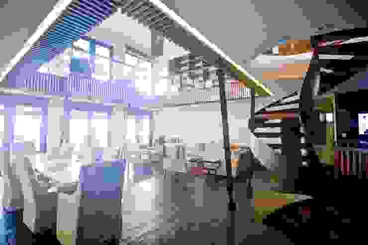 Projekty,  Salon zaprojektowane przez sanzpont [arquitectura], Nowoczesny