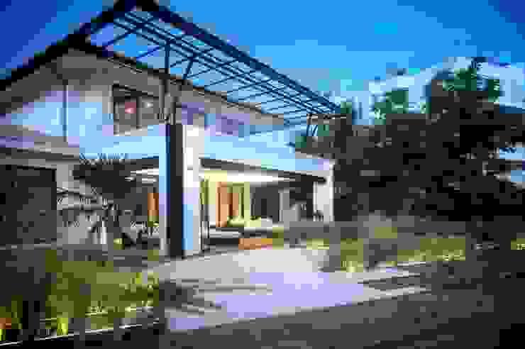 Villas by sanzpont [arquitectura], Modern