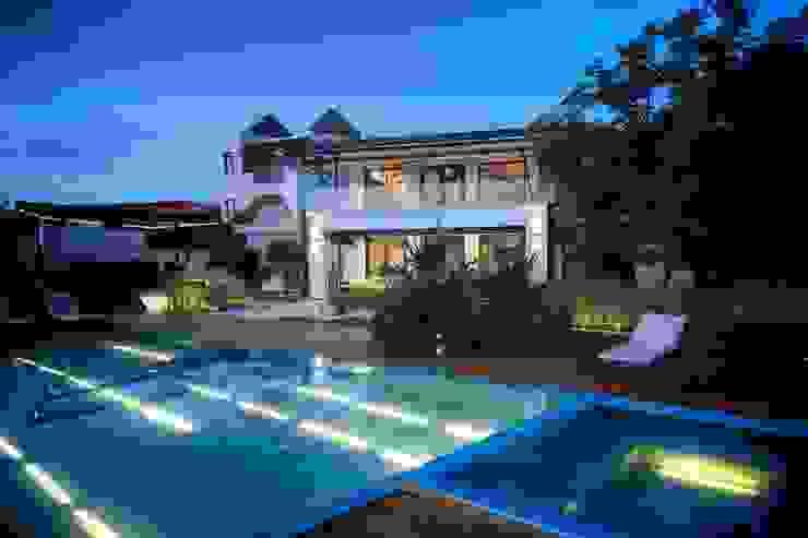 Moderne Pools von sanzpont [arquitectura] Modern