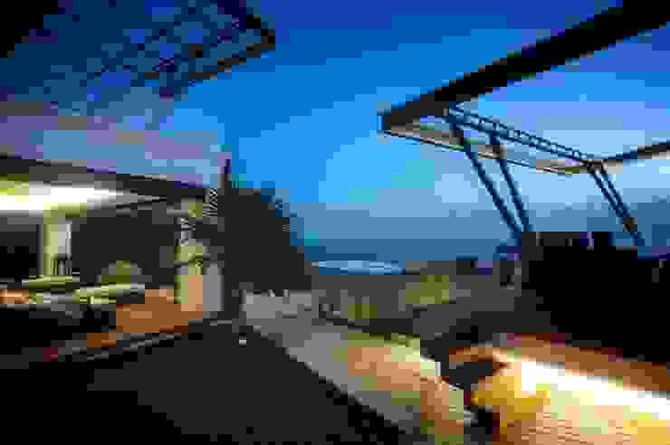 Casa SDLV: Terrazas de estilo  por sanzpont [arquitectura], Moderno