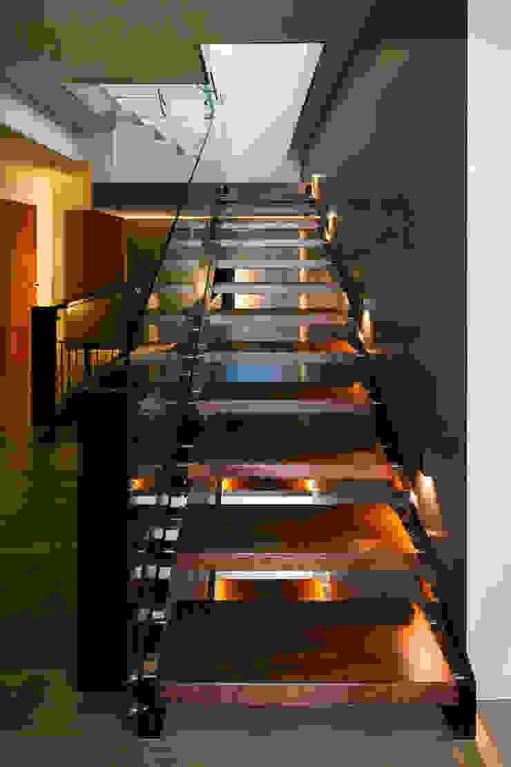 Minimalist house by ARCHITEKT.LEMANSKI Minimalist