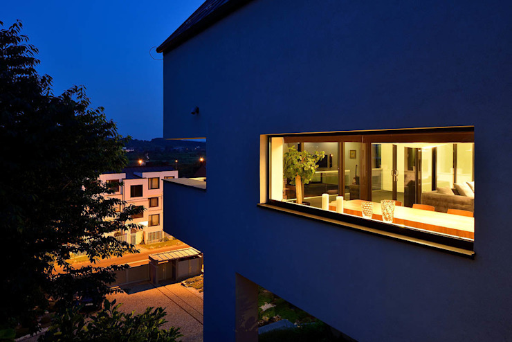 ARCHITEKT.LEMANSKI Rumah Minimalis