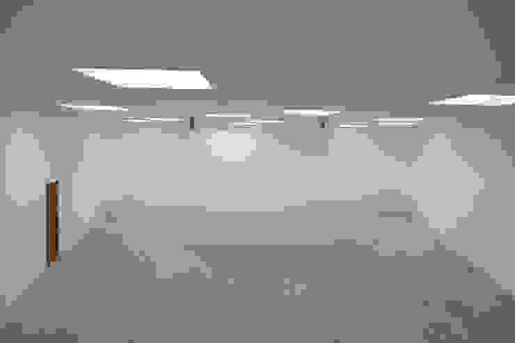 Ausstellungsraum Minimalistische Museen von quartier vier Architekten Landschaftsarchitekten Minimalistisch