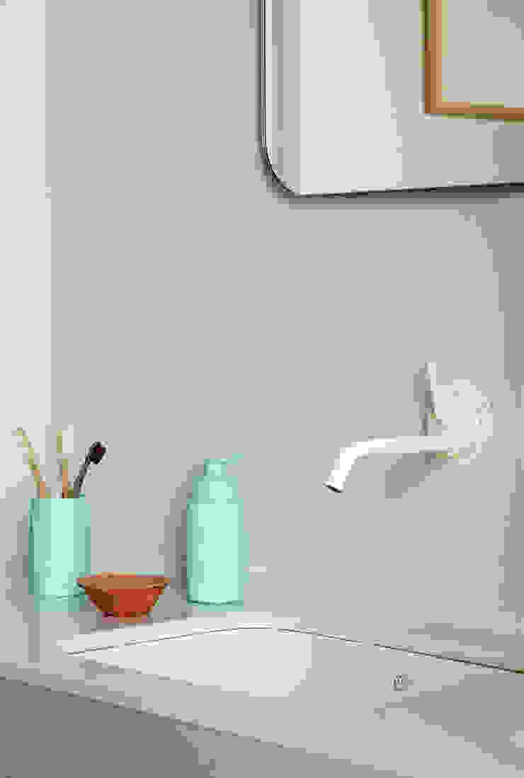 Ażur w Pastelach Eklektyczna łazienka od Pracownia Projektowa Poco Design Eklektyczny