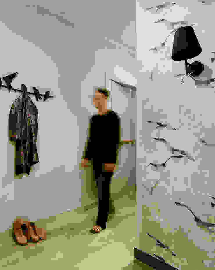 Ażur w Pastelach Eklektyczny korytarz, przedpokój i schody od Pracownia Projektowa Poco Design Eklektyczny