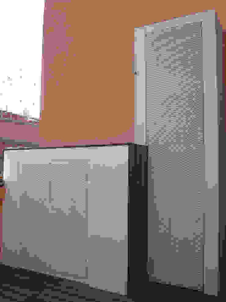 2bn architetti associati Balkon, Beranda & Teras Modern