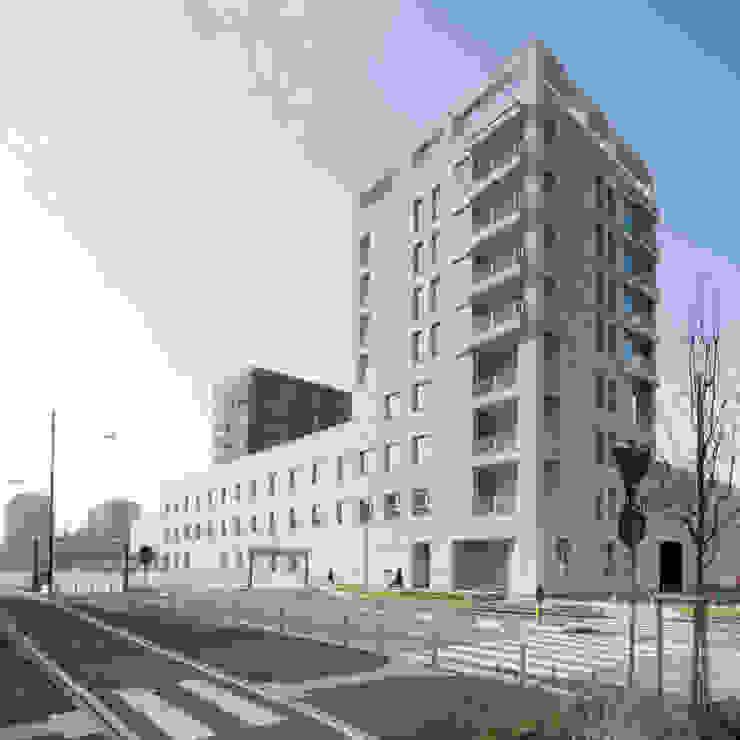 Paredes e pisos modernos por Studio di Architettura Fabio Nonis Moderno
