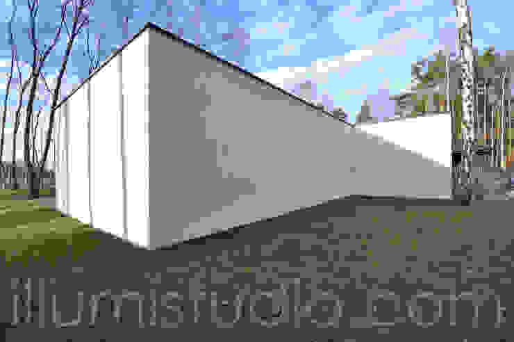 DOM JEDNORODZINNY PARTEROWY Minimalistyczne domy od ILLUMISTUDIO Minimalistyczny