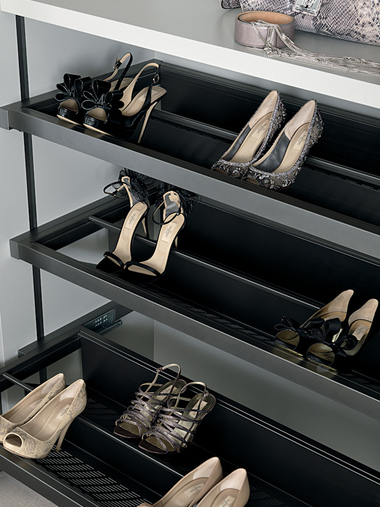 Bespoke shoe unit Lamco Design LTD ChambreAccessoires & décorations