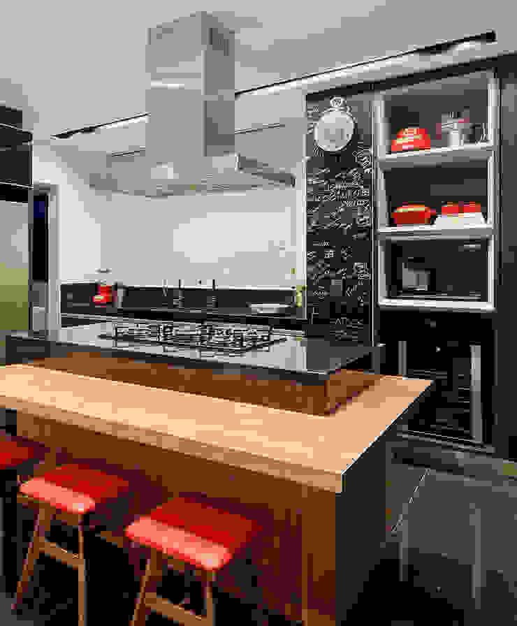 Apartamento Vila Grimm Cozinhas modernas por LEDS Arquitetura Moderno