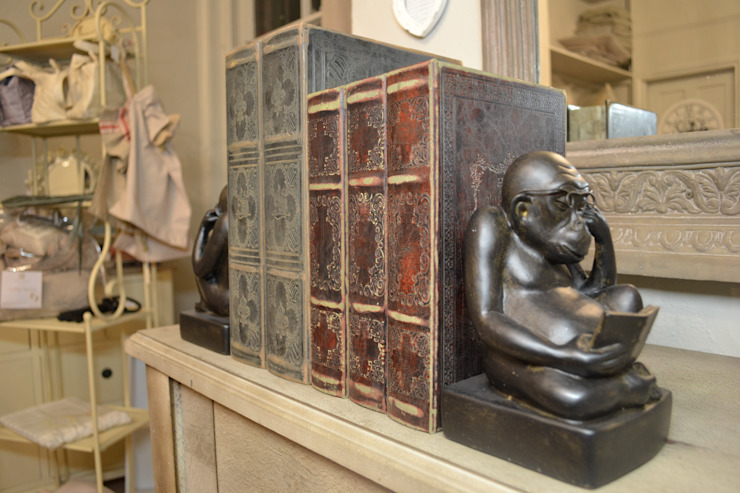Character bookends: classic  by Tina Bucknall, Classic