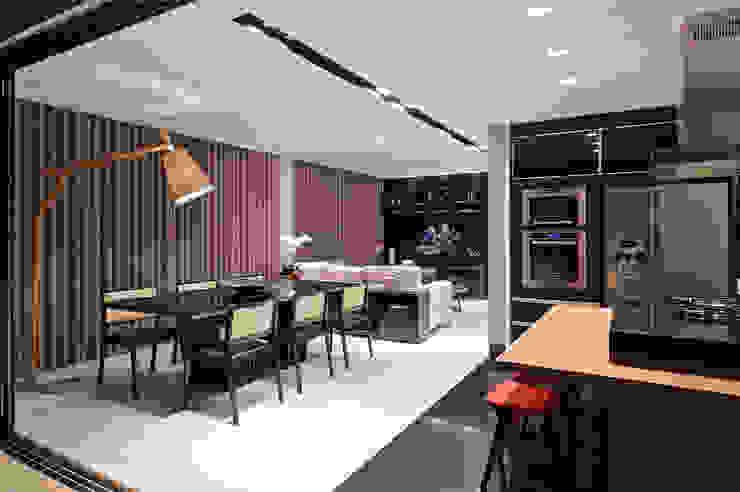 Apartamento Vila Grimm Salas de jantar modernas por LEDS Arquitetura Moderno