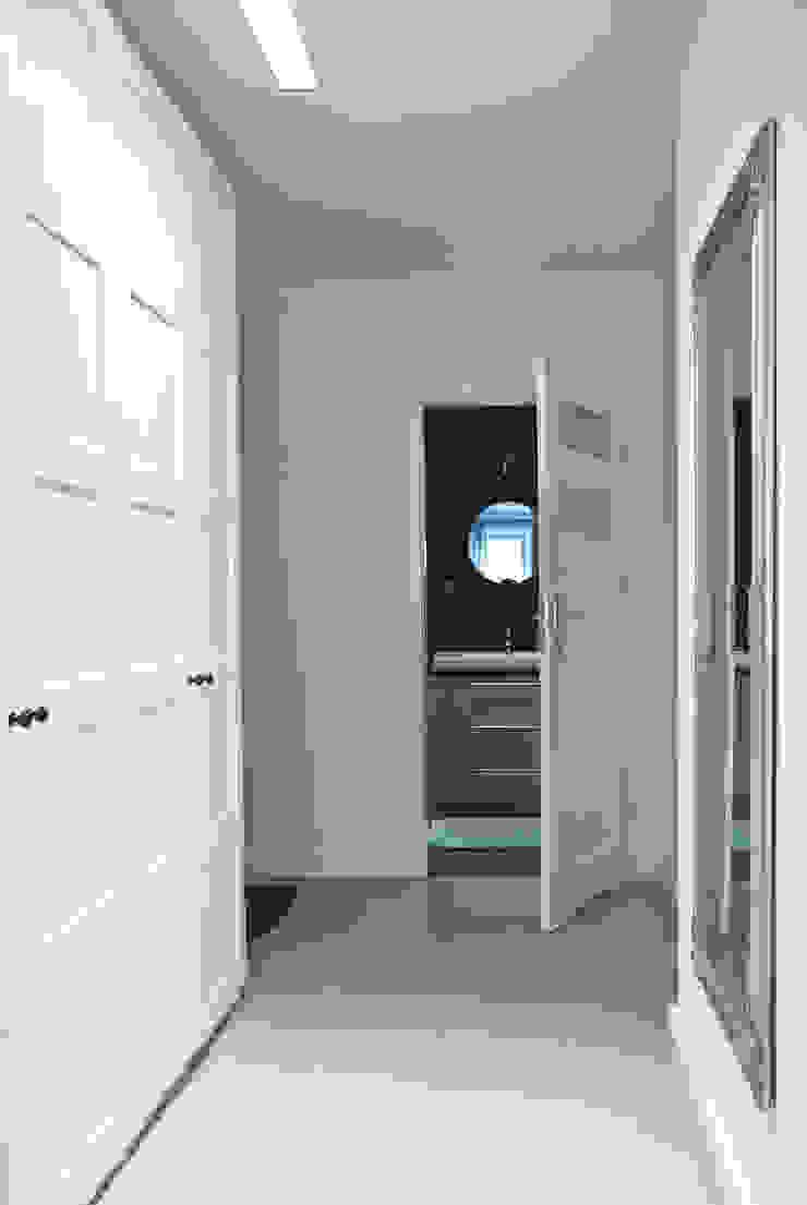 WLC Klasyczny korytarz, przedpokój i schody od Och_Ach_Concept Klasyczny