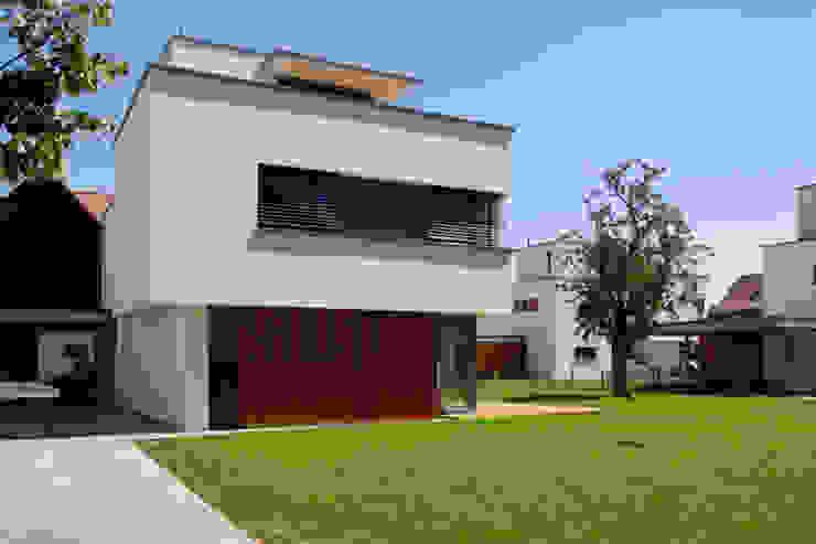 Tillmann Fuchs Dipl.-Ing. Architekt BDA Moderne Häuser von Scholz&Fuchs Architekten Modern