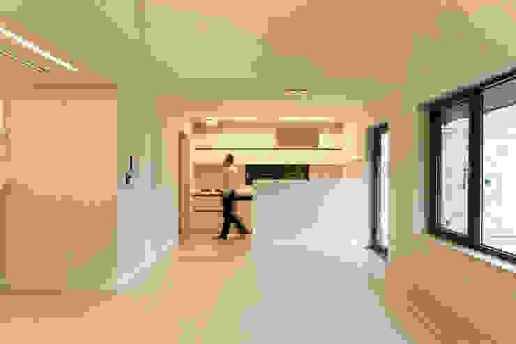 대전 하기동 주택: (주)오우재건축사사무소 OUJAE Architects의  다이닝 룸