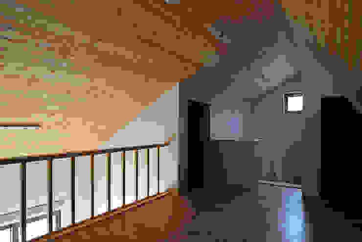 by (주)오우재건축사사무소 OUJAE Architects Modern