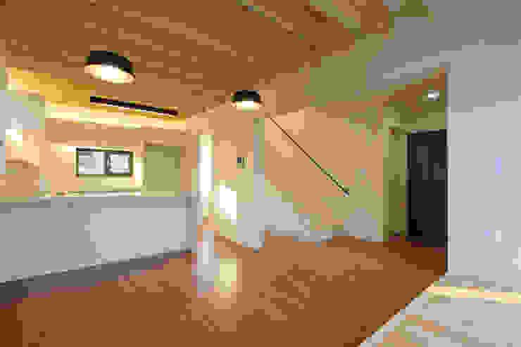 Cocinas de estilo  por (주)오우재건축사사무소 OUJAE Architects,