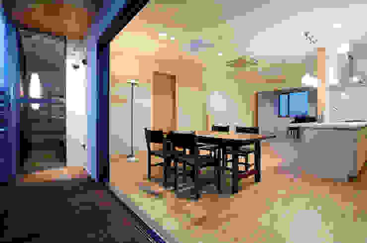 TDC オリジナルデザインの リビング の ZOYA Design Office オリジナル
