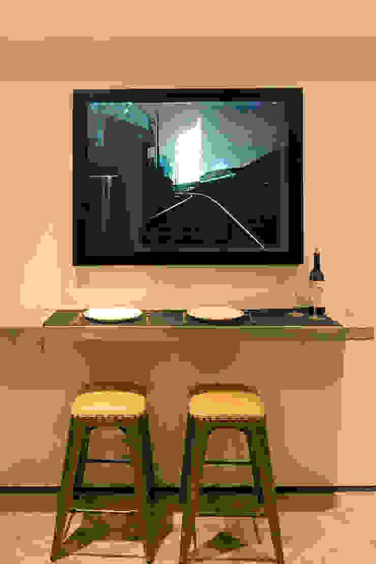 Leong Fee Terrace Cucina in stile asiatico di Stefano Tordiglione Design Ltd Asiatico