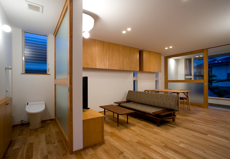 FMN オリジナルデザインの リビング の ZOYA Design Office オリジナル