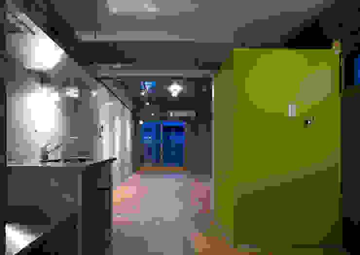 DLM モダンスタイルの寝室 の ZOYA Design Office モダン