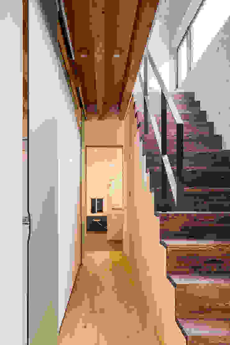 MIY オリジナルスタイルの 玄関&廊下&階段 の ZOYA Design Office オリジナル