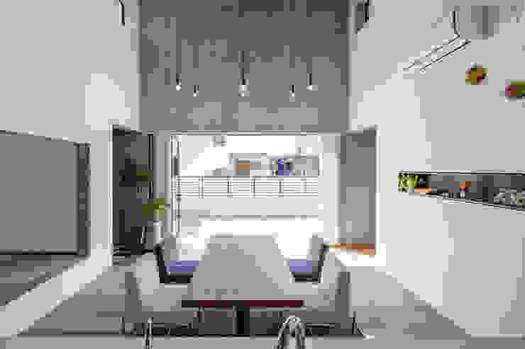 MIY モダンデザインの ダイニング の ZOYA Design Office モダン