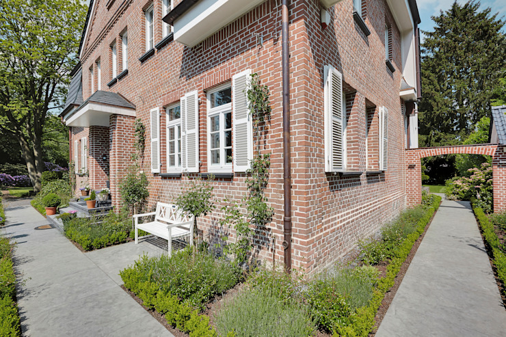 Casas clásicas de 28 Grad Architektur GmbH Clásico