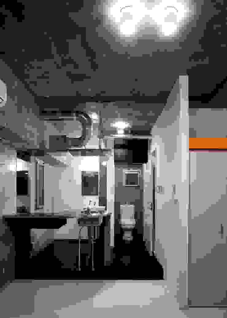 DLM モダンスタイルの お風呂 の ZOYA Design Office モダン