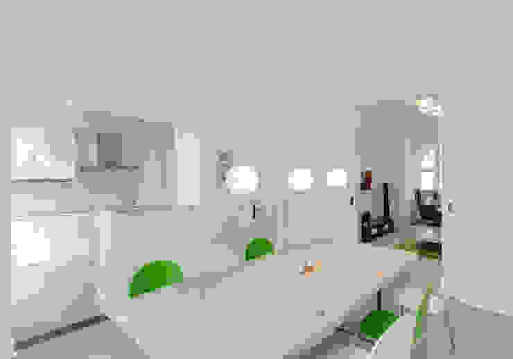 oleh 28 Grad Architektur GmbH, Klasik