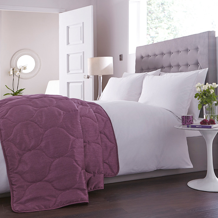 Charlotte Thomas Francesca Bed Throw in Plum: classic  by We Love Linen, Classic