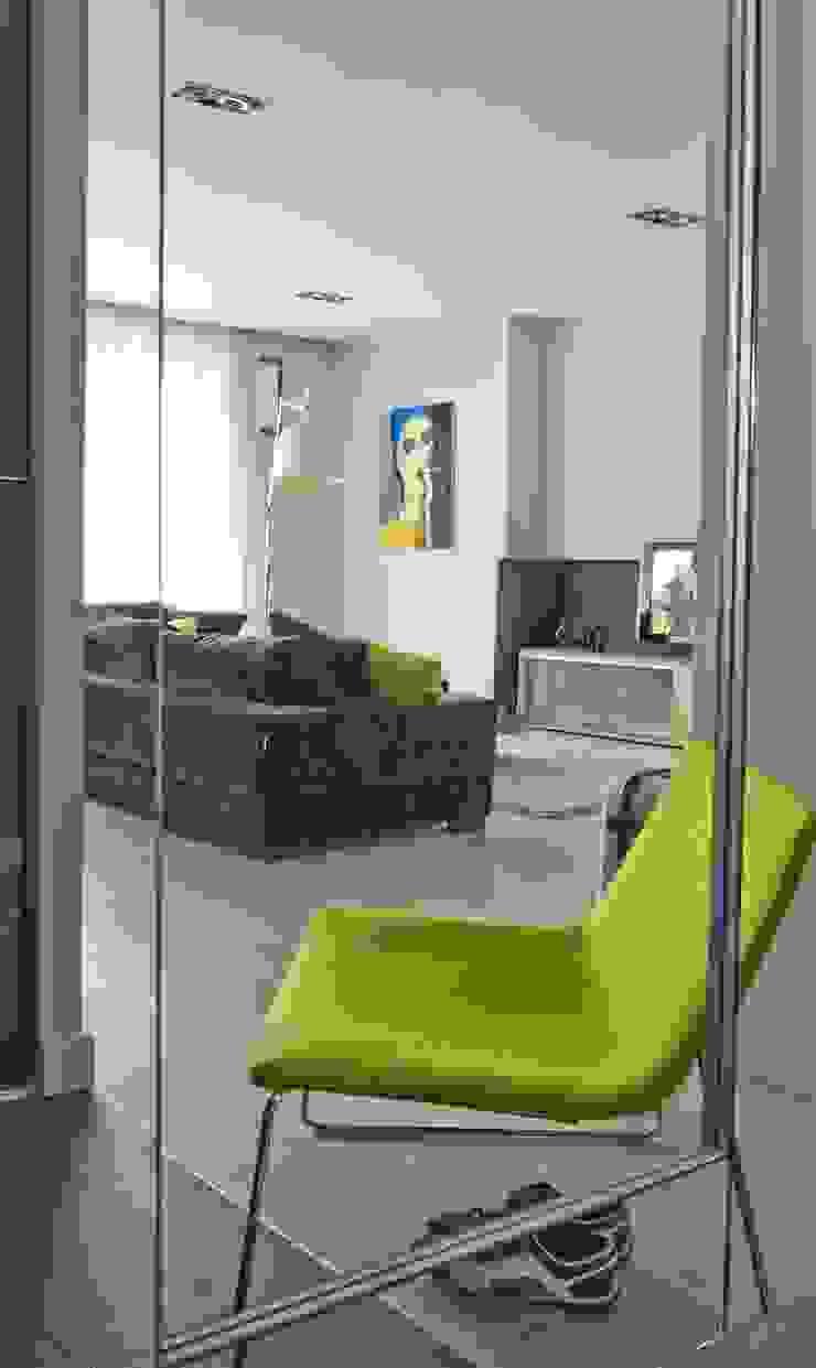 Apartament na Grzybowskiej_ Warszawa Minimalistyczny salon od I Home Studio Barbara Godawska Minimalistyczny