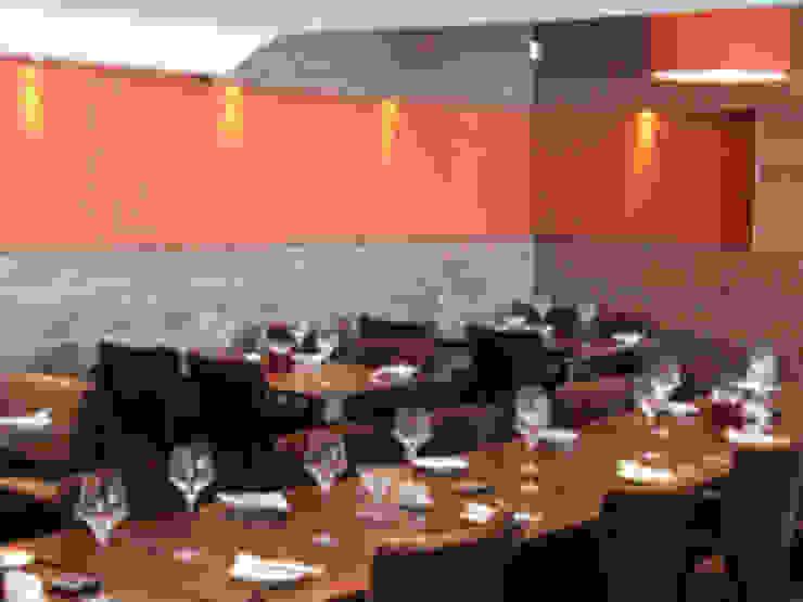 Steak House Modern bars & clubs by Martin Hall Design Modern