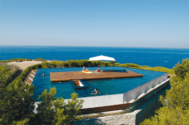 Infinity pool by MOA architecture, Mediterranean
