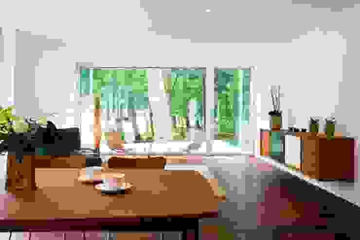 Livings de estilo  por Lignotrend Produktions GmbH , Moderno