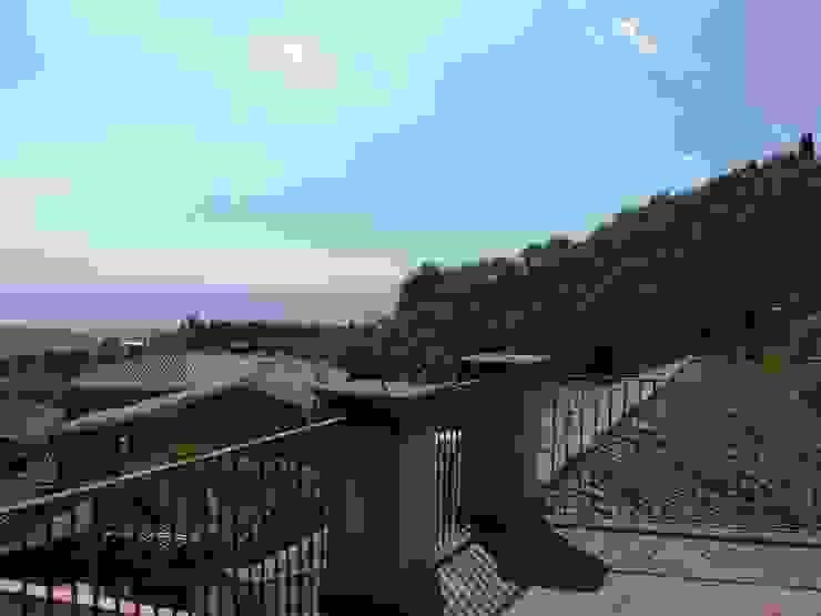 Ferro battuto. Antonio Torrisi Balcone, Veranda & Terrazza in stile mediterraneo