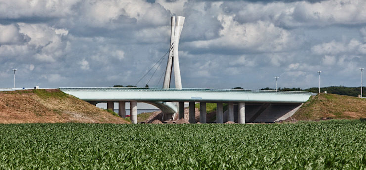 """Burgemeester Letschertbrug of """"De viering van het landschap"""" Moderne evenementenlocaties van Queeste architecten Modern"""