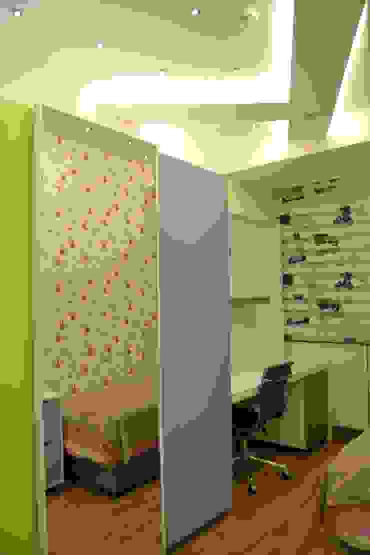 Classic style nursery/kids room by NM Mimarlık Danışmanlık İnşaat Turizm San. ve Dış Tic. Ltd. Şti. Classic