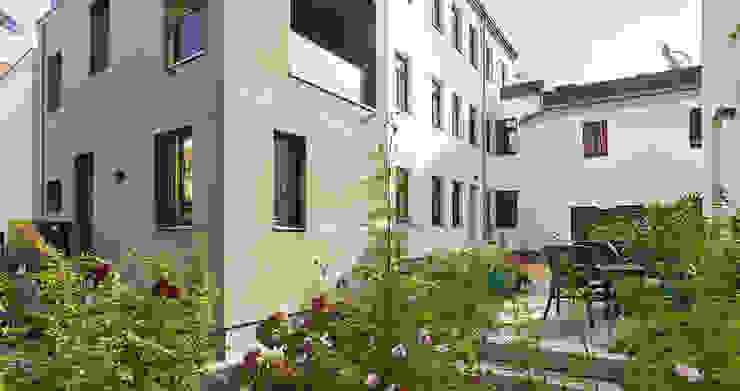 Freiraum Minimalistische Häuser von quartier vier Architekten Landschaftsarchitekten Minimalistisch