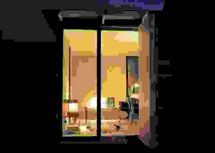 mokki model 3 at night Modern garden by mökki Modern