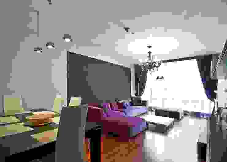 """Квартира в апартаментах """"Мариот» Гостиная в стиле модерн от freelancer Модерн"""