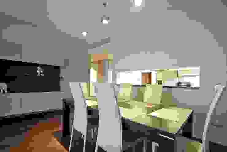"""Квартира в апартаментах """"Мариот» Столовая комната в стиле модерн от freelancer Модерн"""