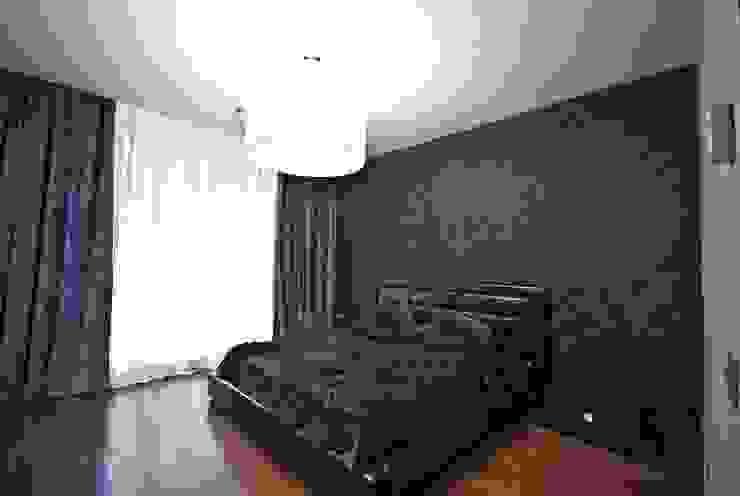 """Квартира в апартаментах """"Мариот» Спальня в стиле модерн от freelancer Модерн"""