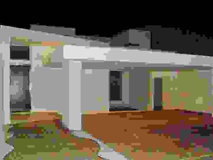 Minimalist houses by Guiza Construcciones Minimalist