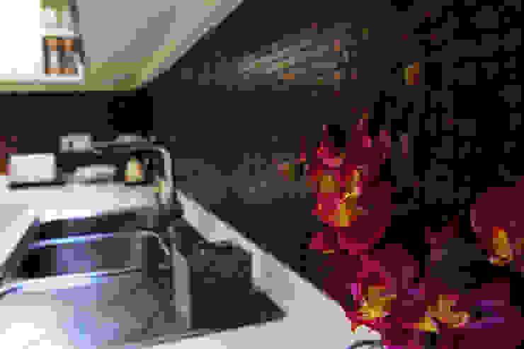 Classic style kitchen by NM Mimarlık Danışmanlık İnşaat Turizm San. ve Dış Tic. Ltd. Şti. Classic