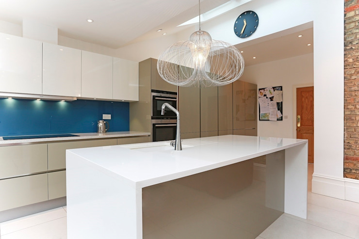 Modern high gloss kitchen extension LWK London Kitchens 現代廚房設計點子、靈感&圖片